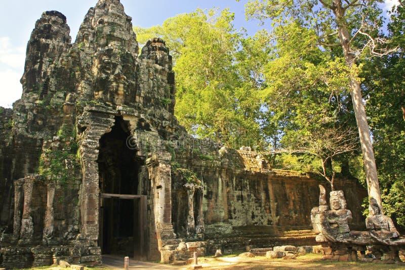 Segern utfärda utegångsförbud för av Angkor Thom, Angkor område, Siem Reap royaltyfria foton