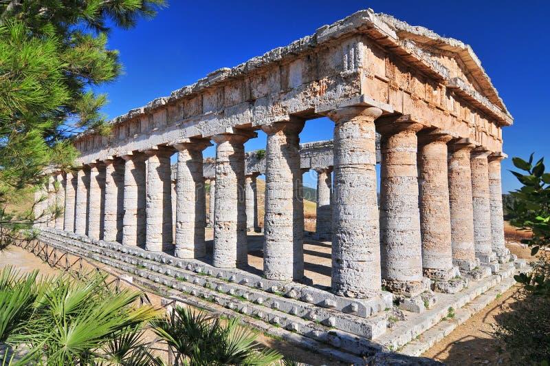 Segesta o templo grego do Vênus, Sicília, Itália imagens de stock