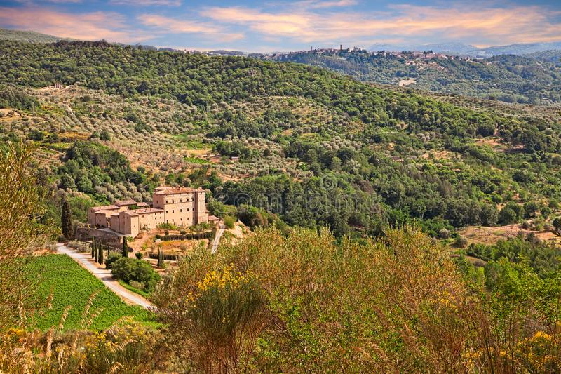 Seggiano, Гроссето, Тоскана, Италия: ландшафт гор w стоковая фотография rf