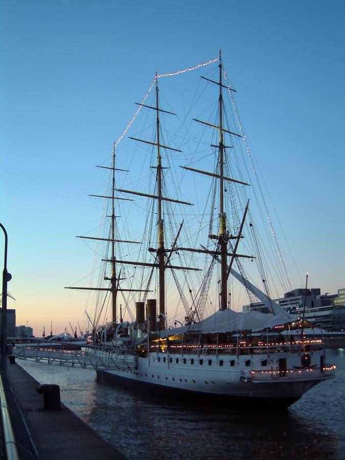 segla shipen arkivbilder