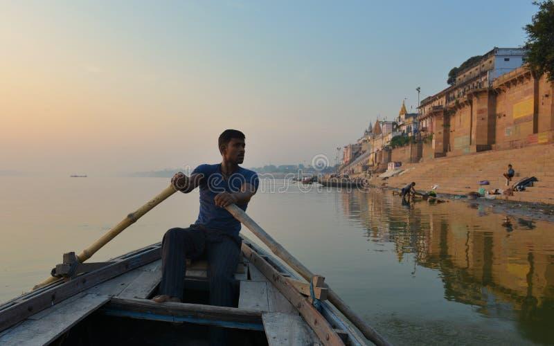 Segler in Varanasi lizenzfreie stockbilder