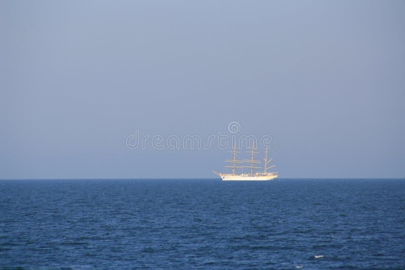 seglinghavsyacht fotografering för bildbyråer