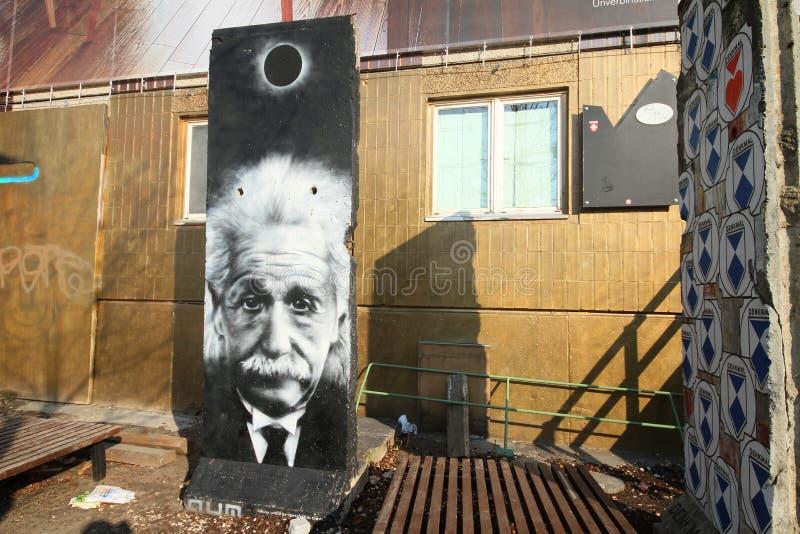 Segment Berlińska ściana w Wschodnim Berlin z Albert Einstein obrazy royalty free