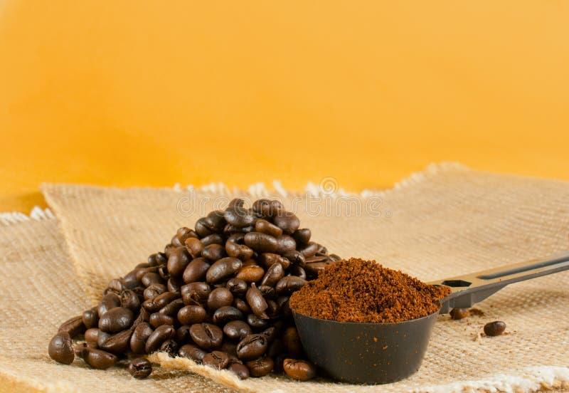 Segment de mémoire des grains de café rôtis photographie stock