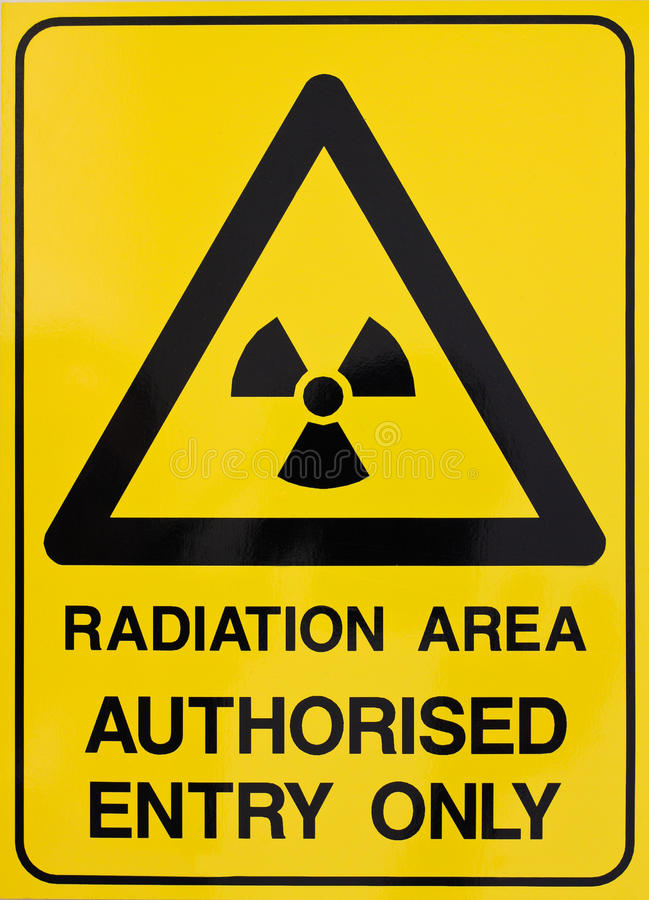 Segnale di pericolo di radiazione nucleare immagini stock