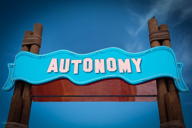 Segnale stradale ad autonomia immagine stock