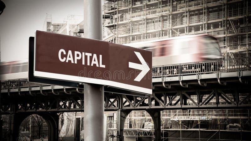 Segnale stradale a capitale immagini stock