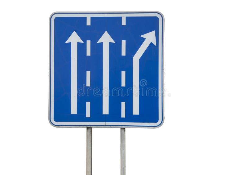 Segnale stradale con due vicoli diritti e la corsia per girare a destra immagini stock