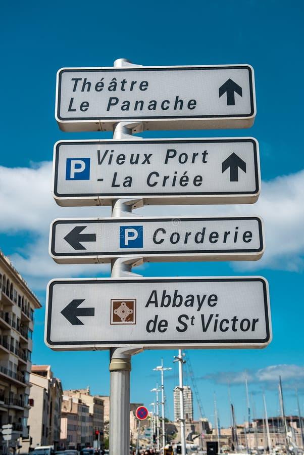 Segnale stradale dei punti di riferimento a Marsiglia immagine stock libera da diritti