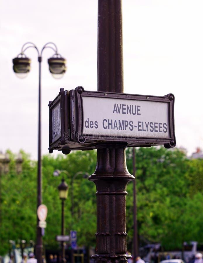 Segnale stradale del boulevard di Champs-Elysees nella città di Parigi fotografia stock libera da diritti