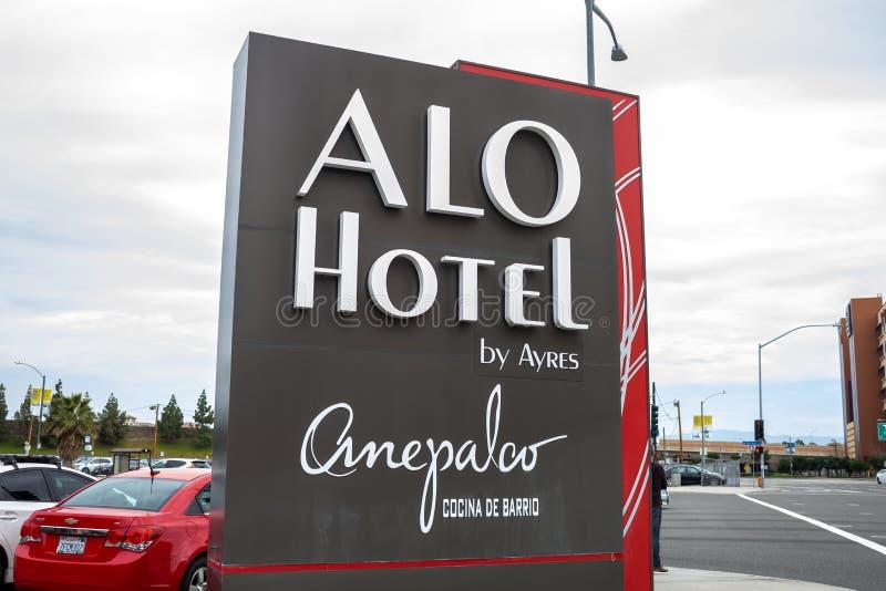 Segnale stradale di ALO Hotel immagine stock libera da diritti