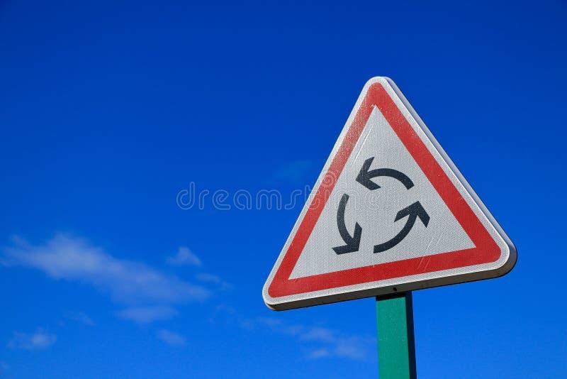Segnale stradale francese della rotonda immagini stock