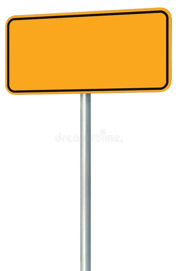 Segnale stradale giallo in bianco isolato, spazio d'avvertimento della copia di grande prospettiva, posta nera di Palo dell'inseg fotografia stock libera da diritti