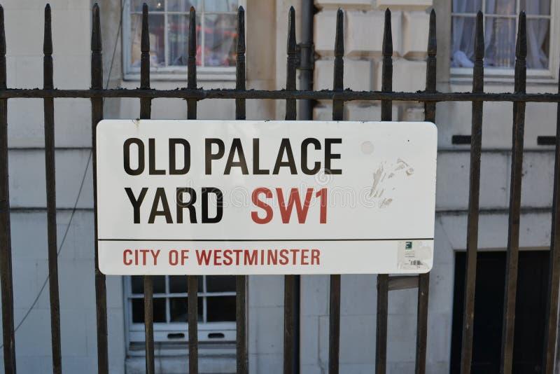 Segnale stradale, Londra immagine stock