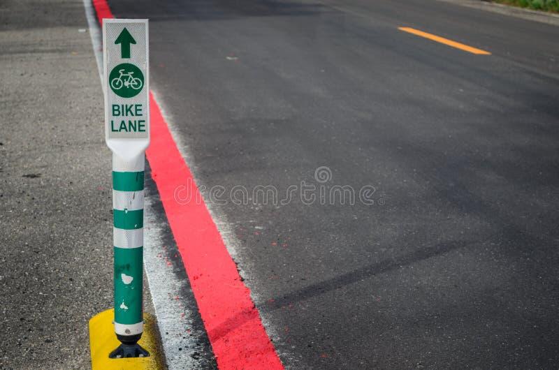 Segnali stradali della pista ciclabile in Tailandia immagini stock libere da diritti