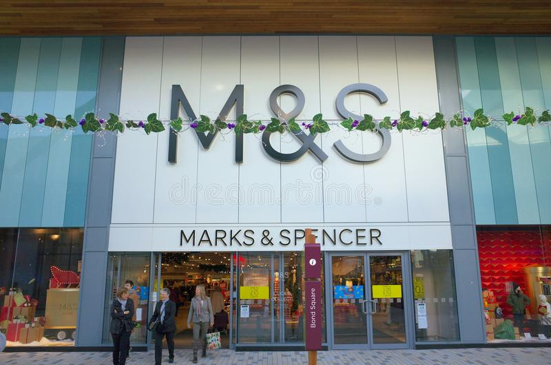 Segni & Spencer Retail Department Store in Bracknell, Inghilterra fotografia stock
