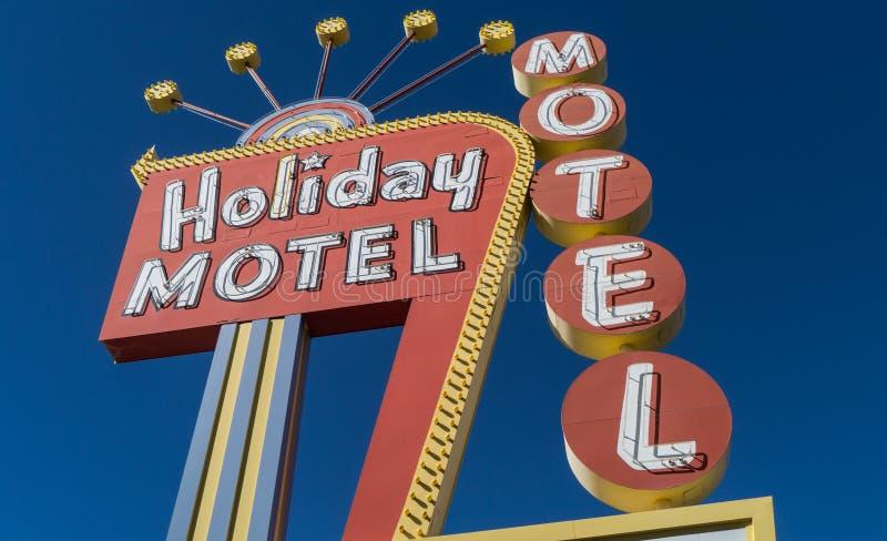 Segno al neon del motel degli anni 50 classici fotografia stock libera da diritti