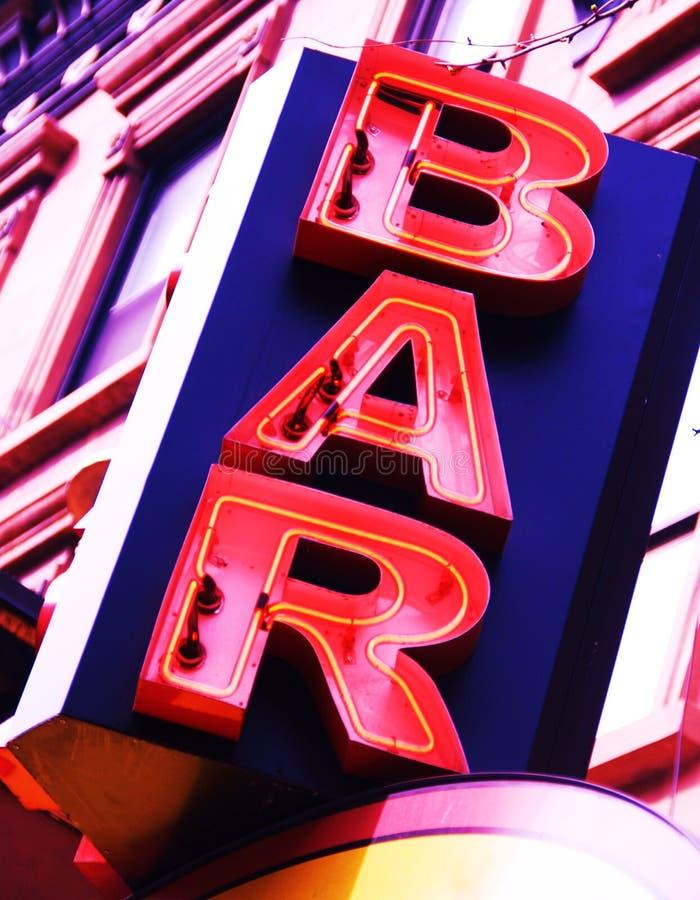 Segno al neon della barra fotografie stock libere da diritti