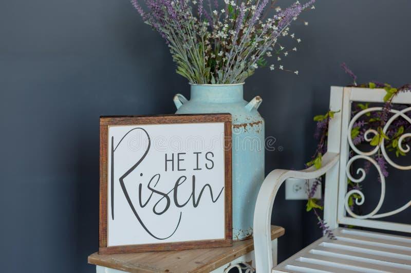 ? segno aumentato - decorazione di Pasqua immagine stock