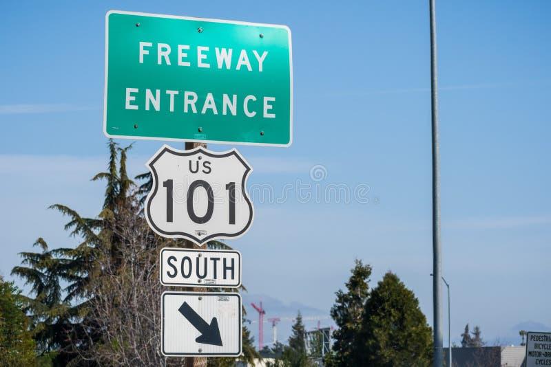 Segno del ` dell'entrata dell'autostrada senza pedaggio del ` fotografie stock