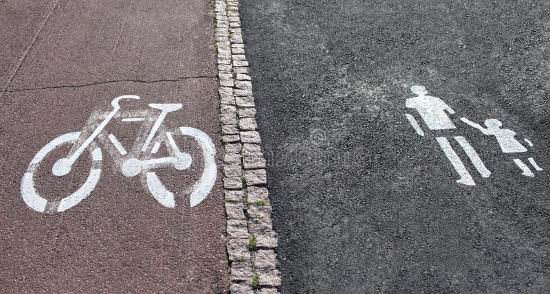 Segno del percorso della bici e della passeggiata immagini stock libere da diritti