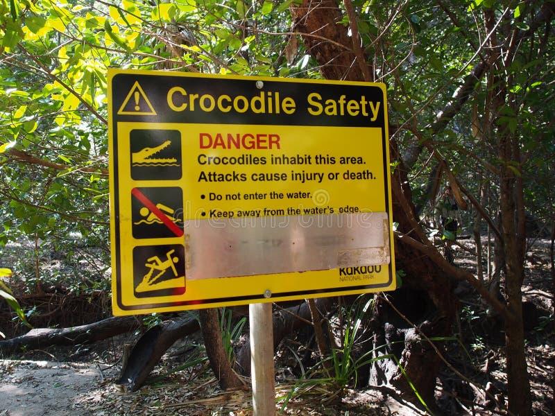 Segno del pericolo del coccodrillo, parco nazionale di Kakadu, Australia fotografia stock libera da diritti