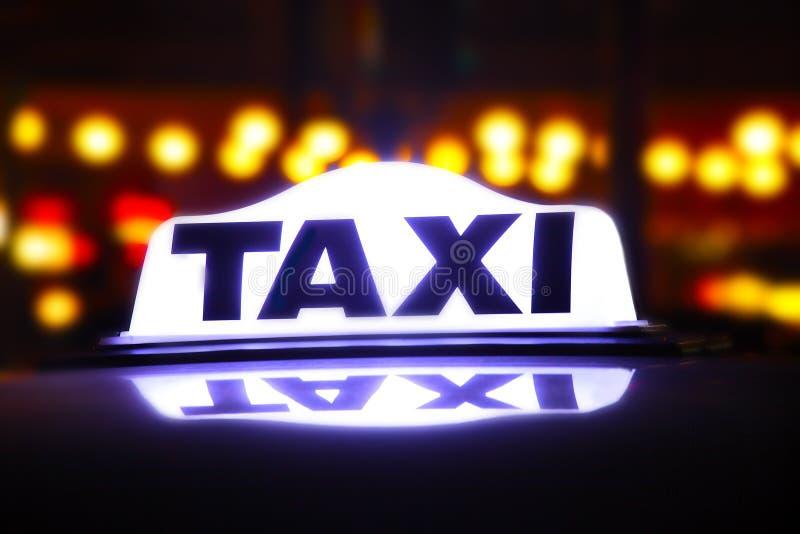 Segno del taxi fotografia stock
