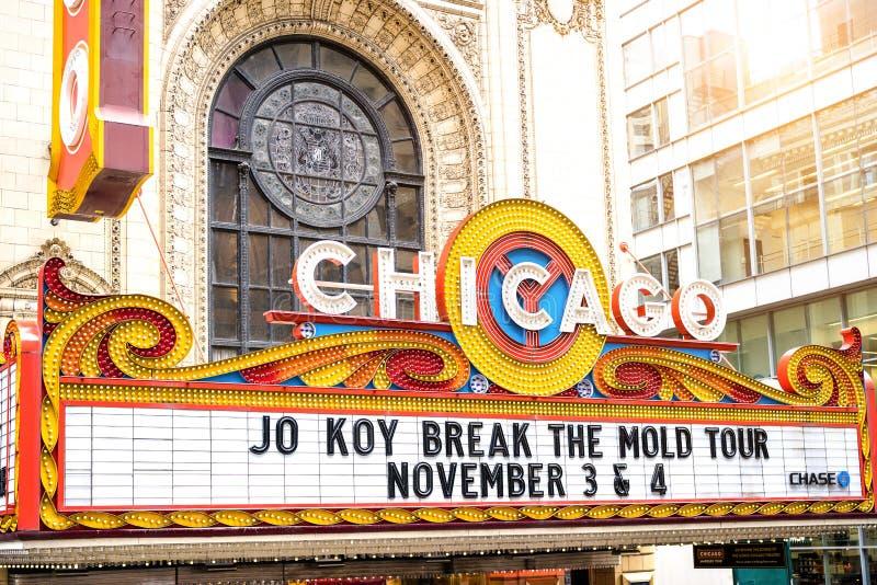 Segno del teatro di Chicago su State Street nel cuore di area del distretto del ciclo immagine stock libera da diritti