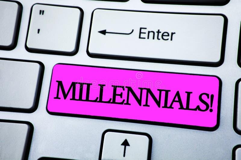 Segno del testo che mostra a Millennials chiamata motivazionale Generazione concettuale dal 1980 s sopportata Y - 2000s della fot immagini stock libere da diritti