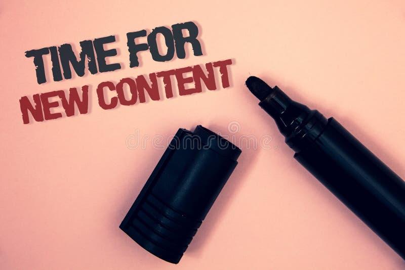 Segno del testo che mostra tempo per il nuovo contenuto Concetto concettuale dell'aggiornamento della pubblicazione di Copyright  immagine stock