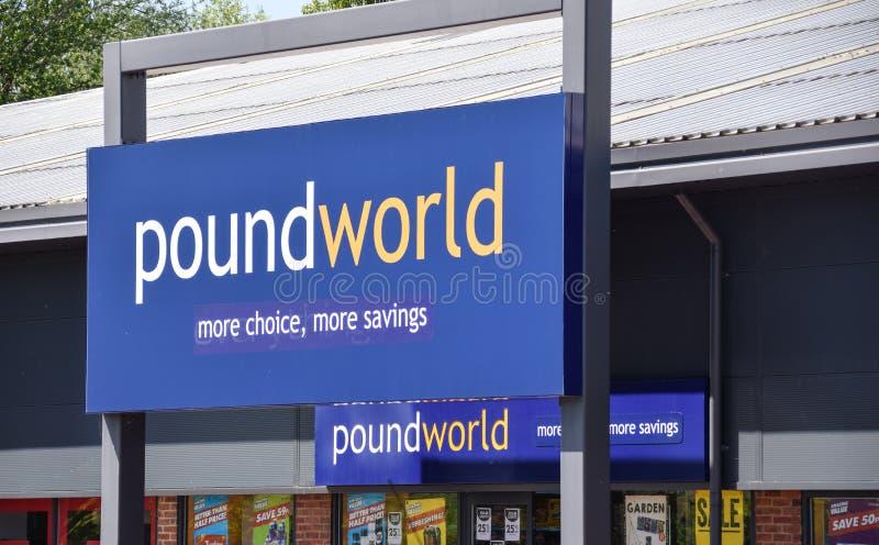 Segno dell'entrata di PoundWorld fotografie stock libere da diritti