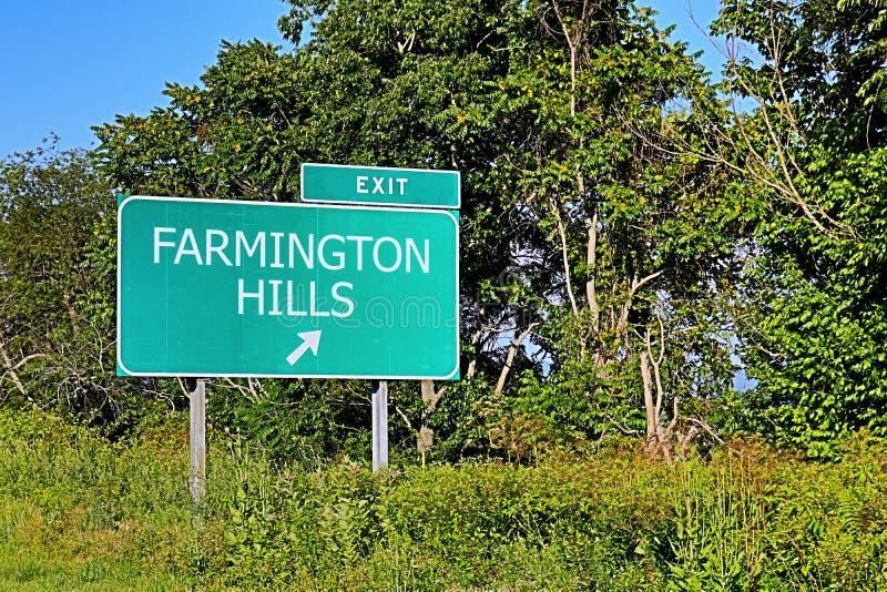 Segno dell'uscita della strada principale degli Stati Uniti per le colline di Farmington fotografia stock libera da diritti