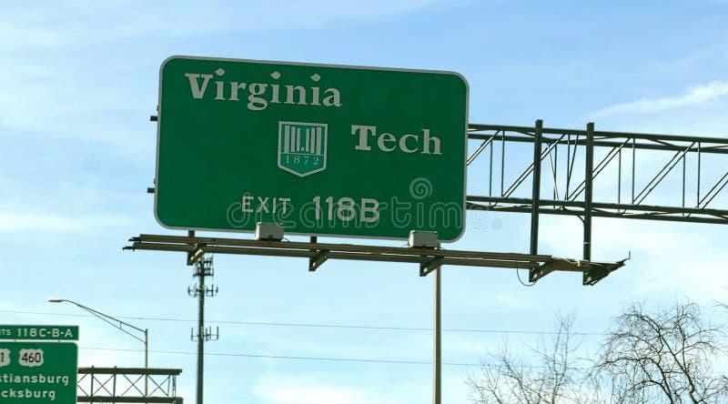 Segno dell'uscita della strada principale per Virginia Tech fotografia stock
