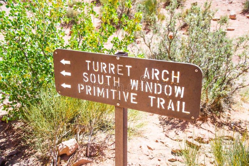 Segno dell'Utah del parco nazionale di arché immagini stock libere da diritti