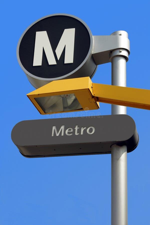 Segno della stazione del Bus-Sottopassaggio immagine stock