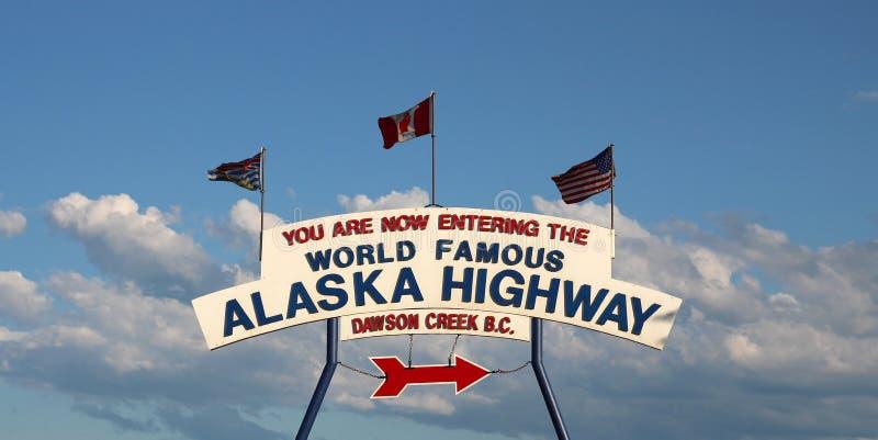 Segno della strada principale dell'Alaska immagine stock libera da diritti