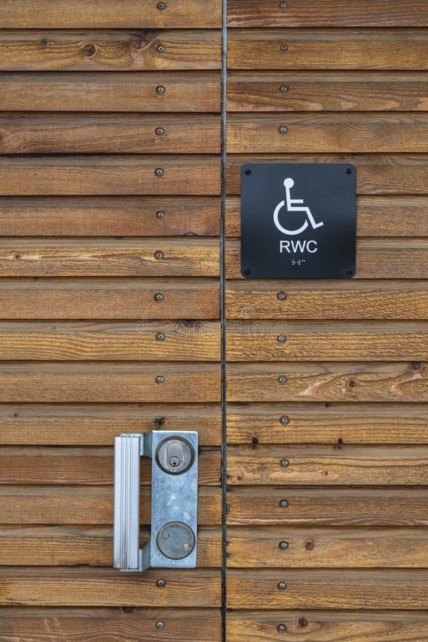 segno della toilette di handicap immagini stock libere da diritti