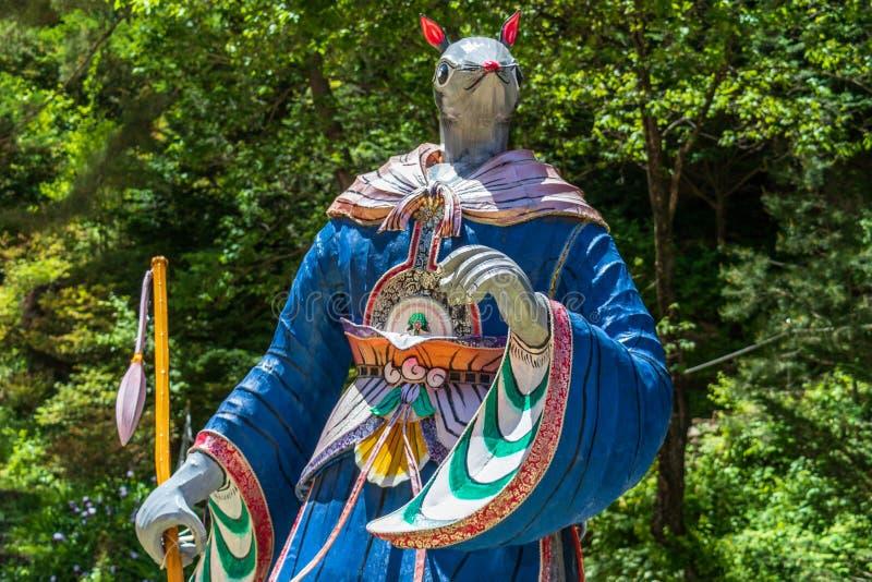 Segno dello zodiaco: Statua del ratto Lanterna di carta del segno astrologico dentro un tempio buddista in Corea del Sud Guinsa,  fotografia stock libera da diritti