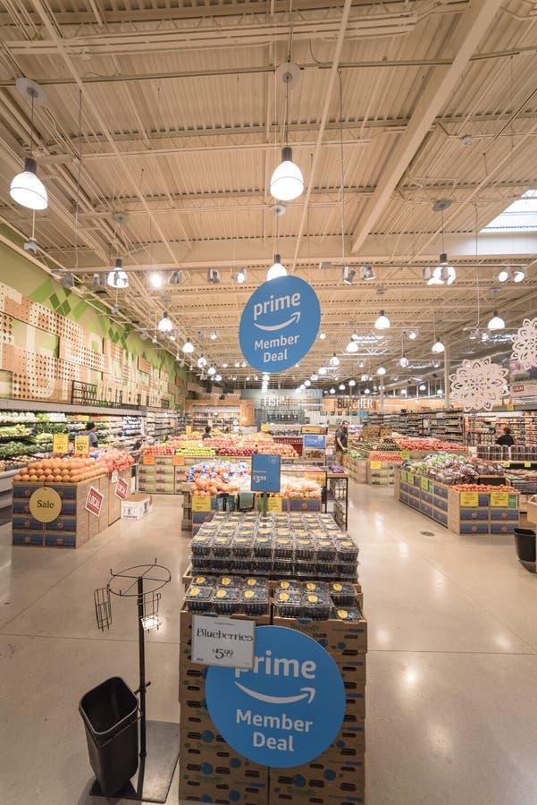 Segno di affare del membro dell'Amazon Prime allo sto dell'alta società della drogheria di Whole Foods immagine stock