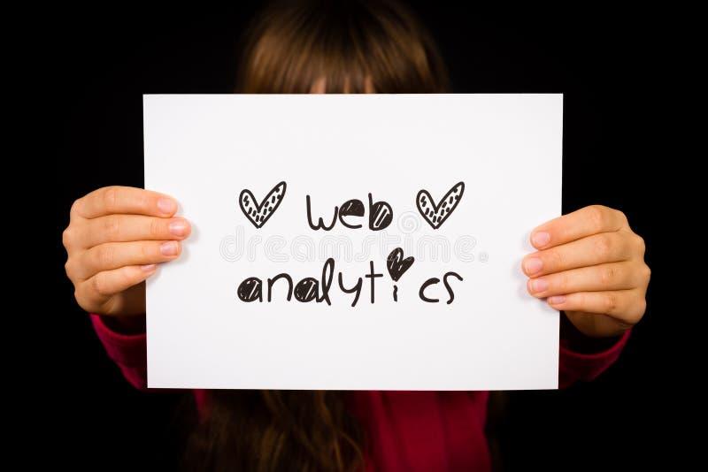 Segno di analisi dei dati di web della tenuta della persona immagini stock