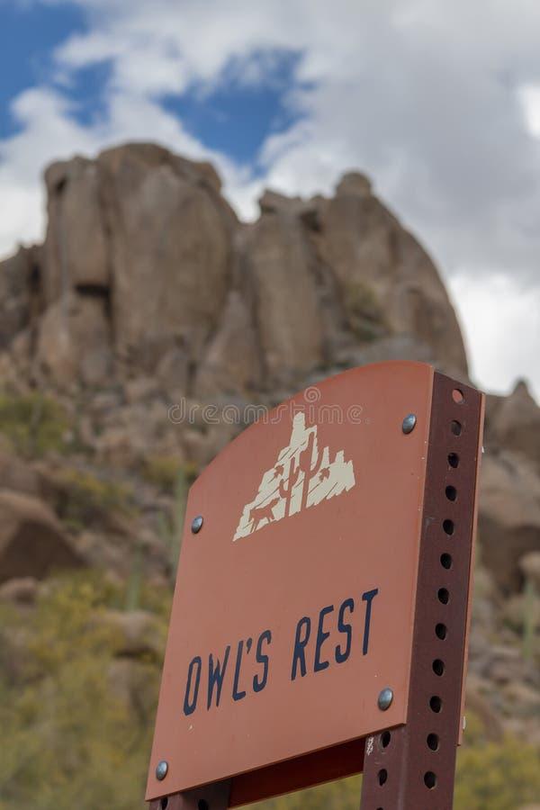 Segno di area di riposo sulla traccia di punta del culmine a Scottsdale fotografie stock