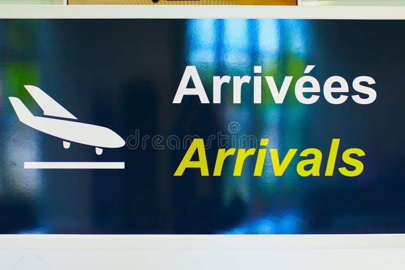 Segno di arrivo dell'aeroporto fotografia stock libera da diritti