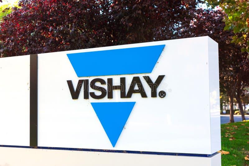 Segno di intertecnologia Vishay all'ufficio di Silicon Valley Vishay è un produttore americano di semiconduttori discreti e passi immagini stock