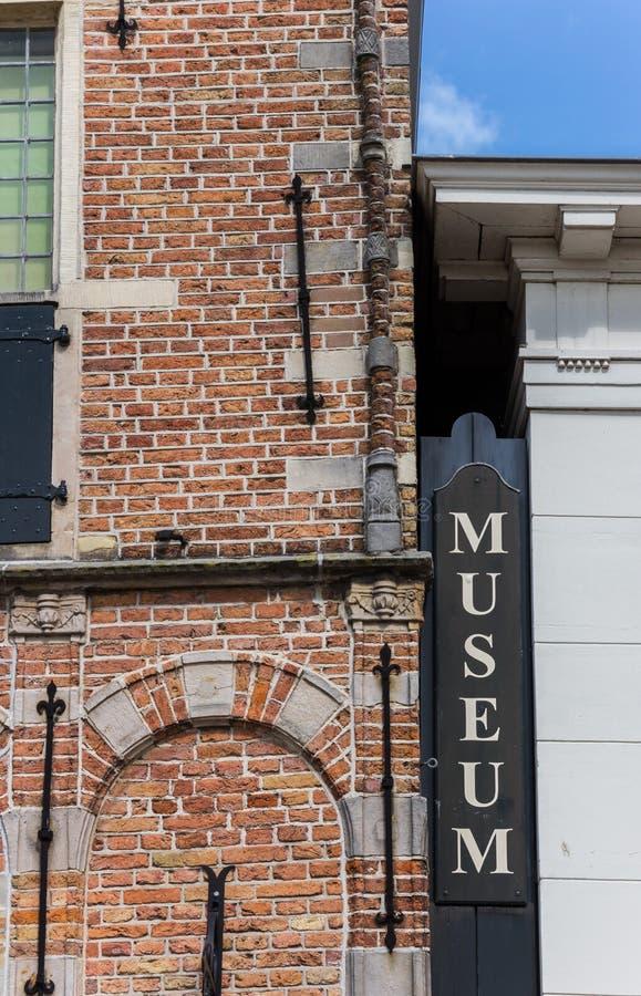 Segno di legno alla facciata del museo in edam fotografia stock libera da diritti