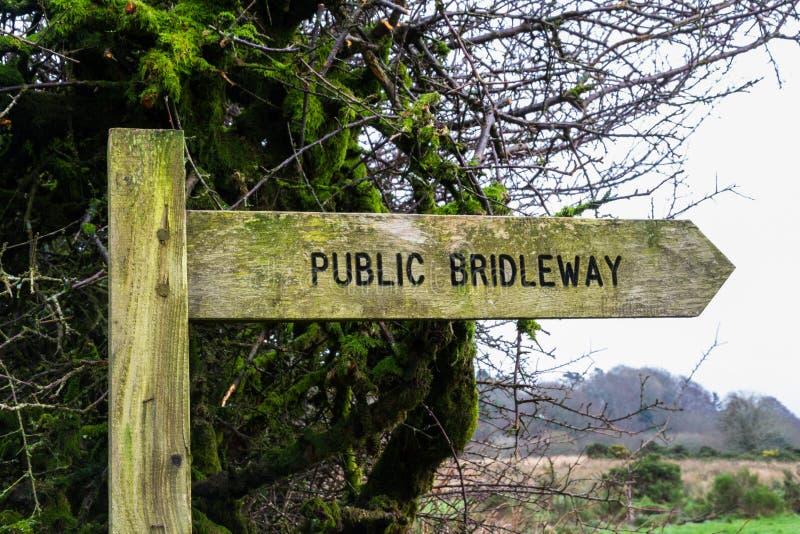 Segno di legno di Bridleway fotografia stock