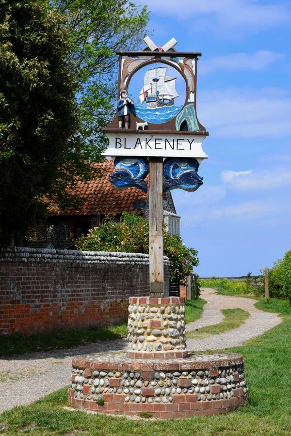 Segno dipinto del villaggio, Blakeney, Norfolk immagine stock libera da diritti