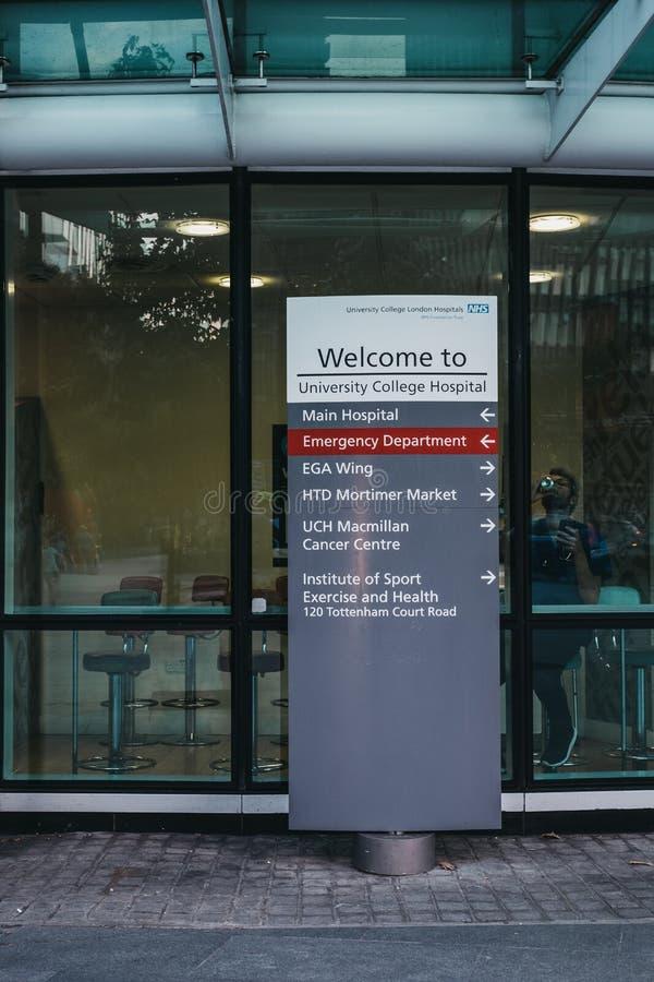 Segno direzionale all'entrata all'ospedale di University College, fotografia stock libera da diritti