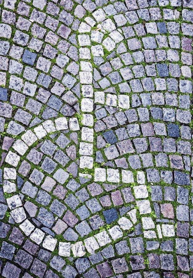 Download Segno Disabile Di Parcheggio Fatto Dai Ciottoli Fotografia Stock - Immagine di città, handicap: 56885414