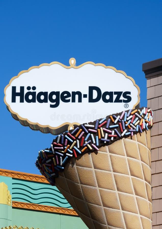 Segno ed esterno di Haagen-Dazs immagini stock