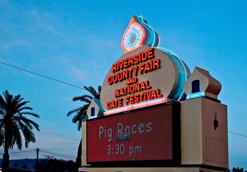 Segno giusto della contea di Riverside di festival della data fotografia stock
